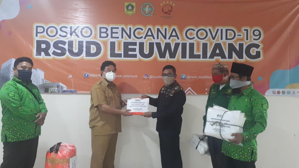 PUI Bogor Kirim Baju Hazmat Ke RSUD Leuwiliang dan Bagikan Sembako Untuk Lawan Covid-19