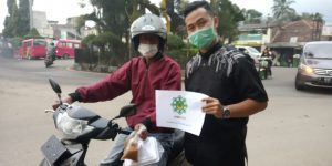 HIMA PUI Tebar Takjil Untuk Warga Sukabumi