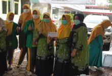 Photo of Melalui PD Wanita PUI Indramayu, PP Wanita PUI Salurkan Bantuan dan Buka Layanan Kesehatan Bagi Korban Banjir