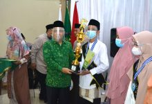 Photo of Ketum DPP PUI KH Nurhasan Zaidi Menghadiri Wisuda MTs Daarul Uluum PUI Majalengka