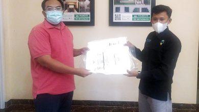 Photo of Bantu Petugas Pemulasaran, Sekjen DPP PUI Raizal Arifin Menyalurkan APD ke Rumah Qur'an Jayakarta